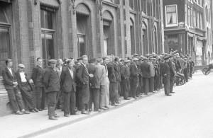Interbellum - Werkloosheid op straat - Bron: www.marketupdate.nl