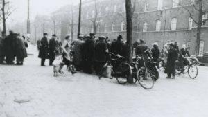 Stakende trambestuurders en conducteurs Februaristaking 1941 - bron: nos.nl