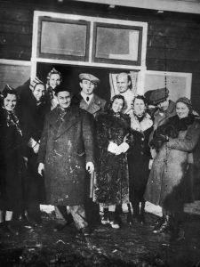 Groep Duits-joodse vluchtelingen in Westerbork, 1939 - bron: kampwesterbork.nl