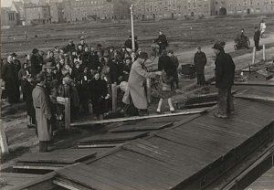 Kinderen uit Den Haag per schip naar Friesland 1944-1945 - bron: Historiek.net